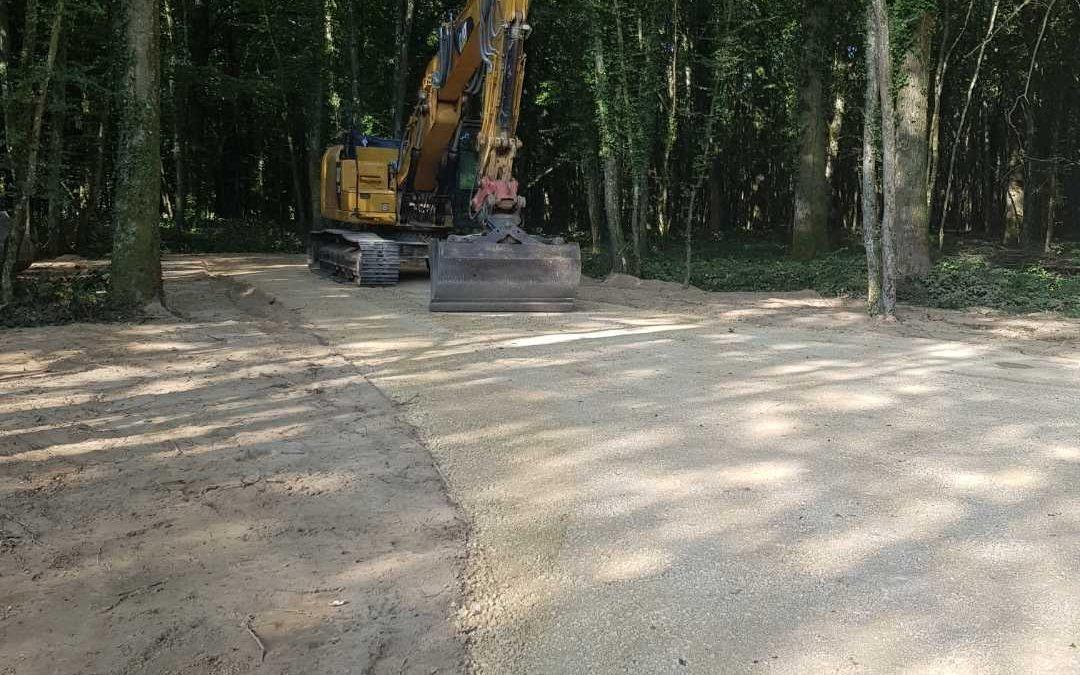Création d'un chemin forestier
